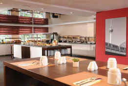 Leonardo Hotel Berlin kitchen
