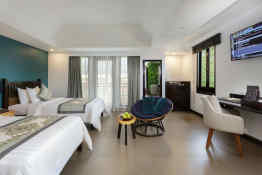 Treasure Oasis Hotel • Guestroom