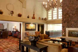 Embassy Suites Flagstaff lobby