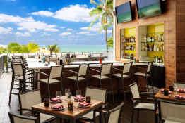 Hilton Cabana Miami Beach, Allison Bar