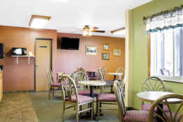 Econo Lodge of Custer - Breakfast Room