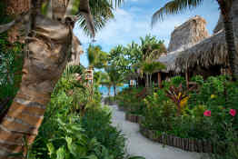 Ramon's Village Resort • Path to beach