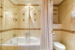 Villa Pantheon • Guest Bathroom