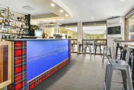 William Macintosh Motor Lodge • Highlander Restaurant