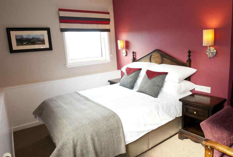 Crown Hotel - Guest Room