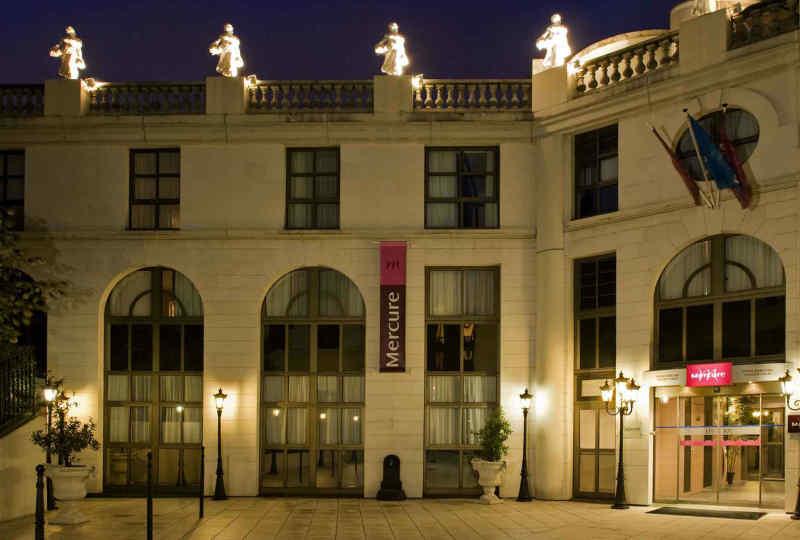Hotel Mercure Paris Gobelins Place d'Italie • Exterior
