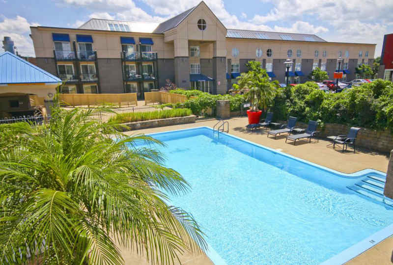 Hotel Lindbergh - Pool