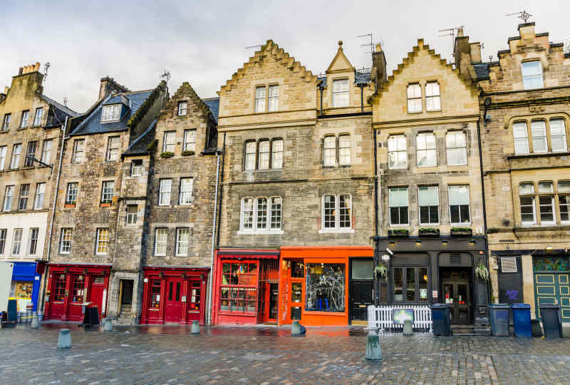 Edinburgh Colorful Houses & Shops Vacation