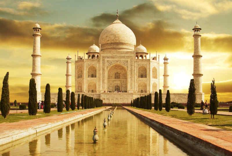 Taj Mahal • Agra, India