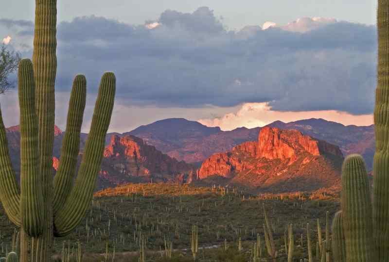 Lit Roblas Butte in Superstition Wilderness near Phoenix
