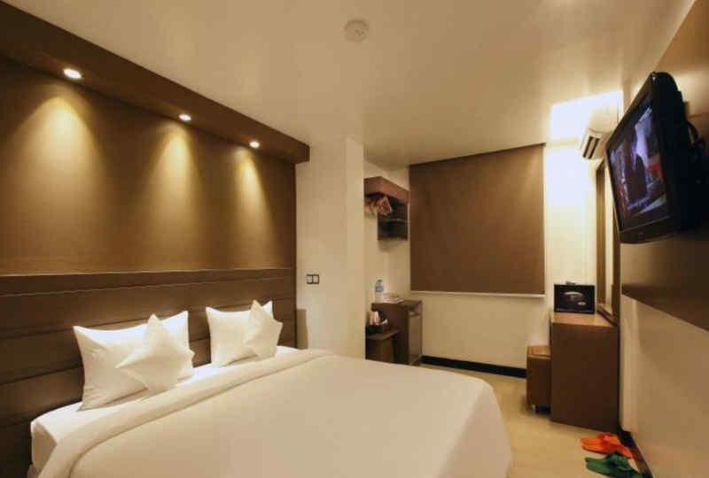 Clover Hotel City Center Plus