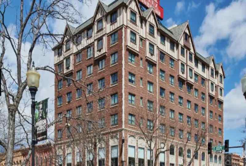 Hotel Alex Johnson (Curio Collection by Hilton)