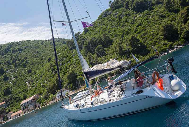 G Adventures 52 foot sailboat