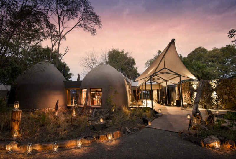 African Bush Camps Thorntree River Lodge