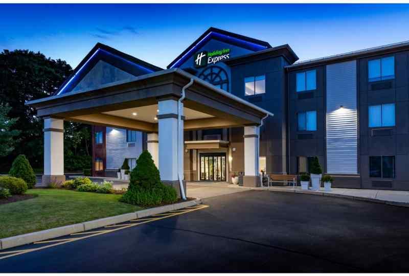 Holiday Inn Express Newport North