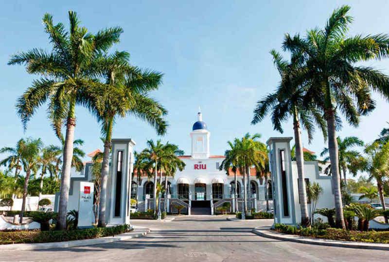 Hotel Riu Palace Mexico • Exterior