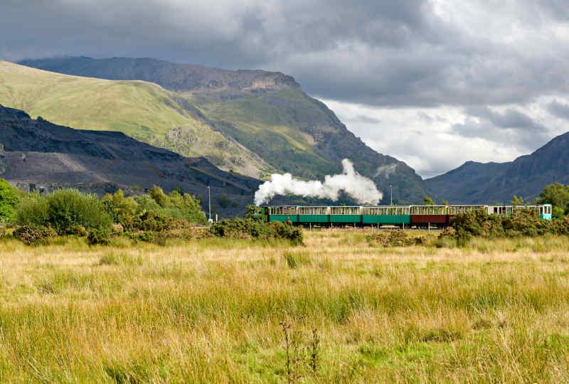 Steam train in Snowdonia • Wales