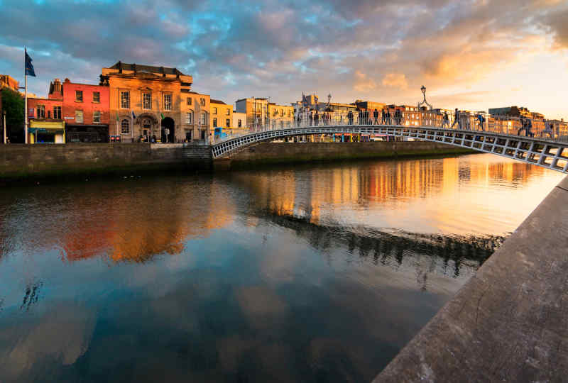 Dublin Half Penny Bridge Vacation