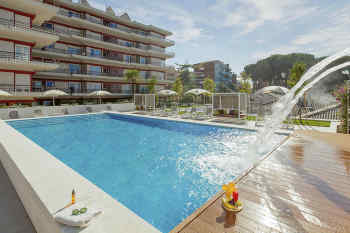 Aparthotel Adagio Rome Vatican • Pool