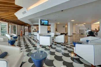 Hotel Dann Cartagena • Lobby