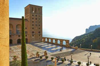 Abat Cisneros Hotel Montserrat
