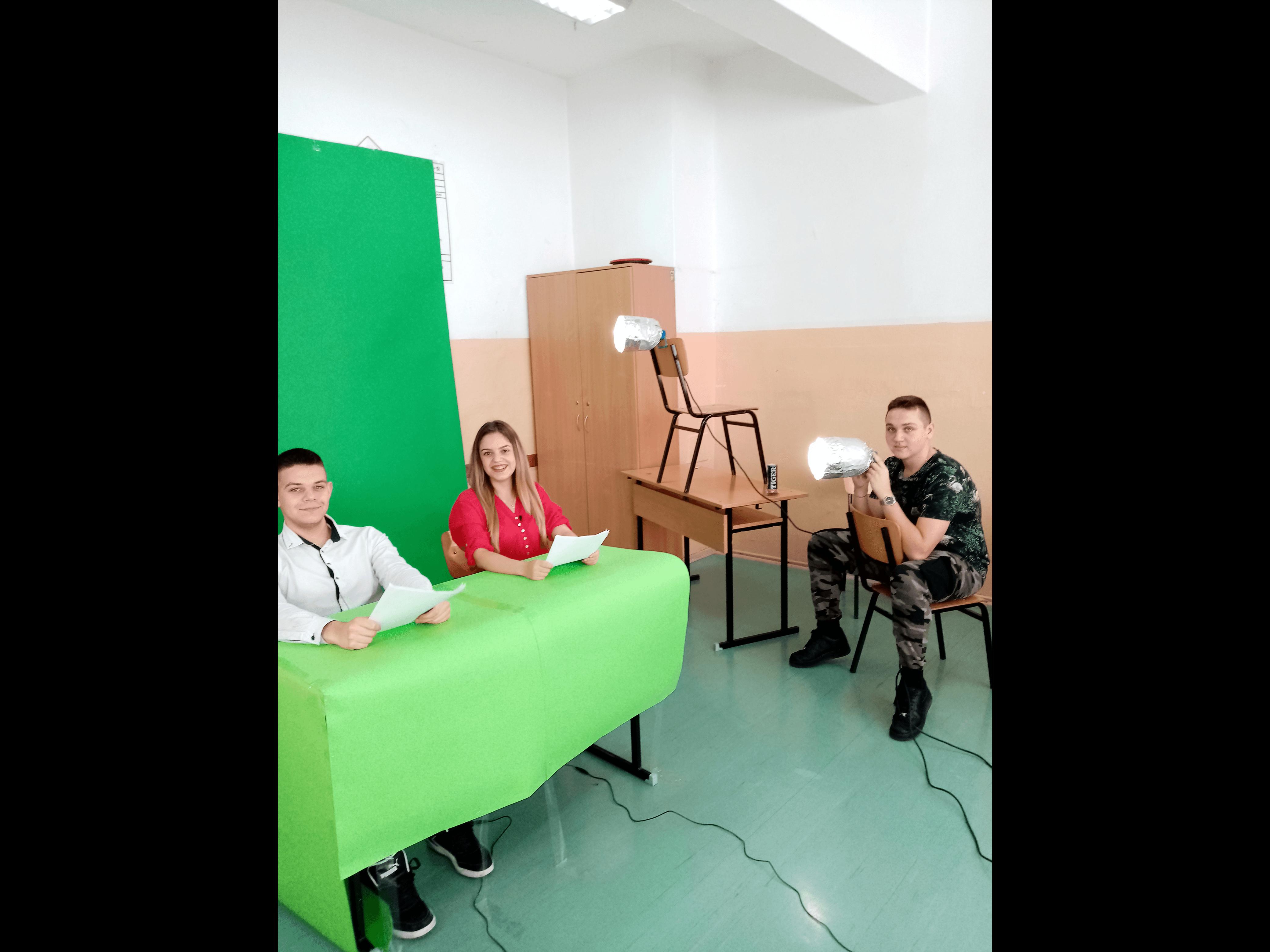 Slide 5 - ППМГ ТВ Сливен - Един ден на снимачната площадка
