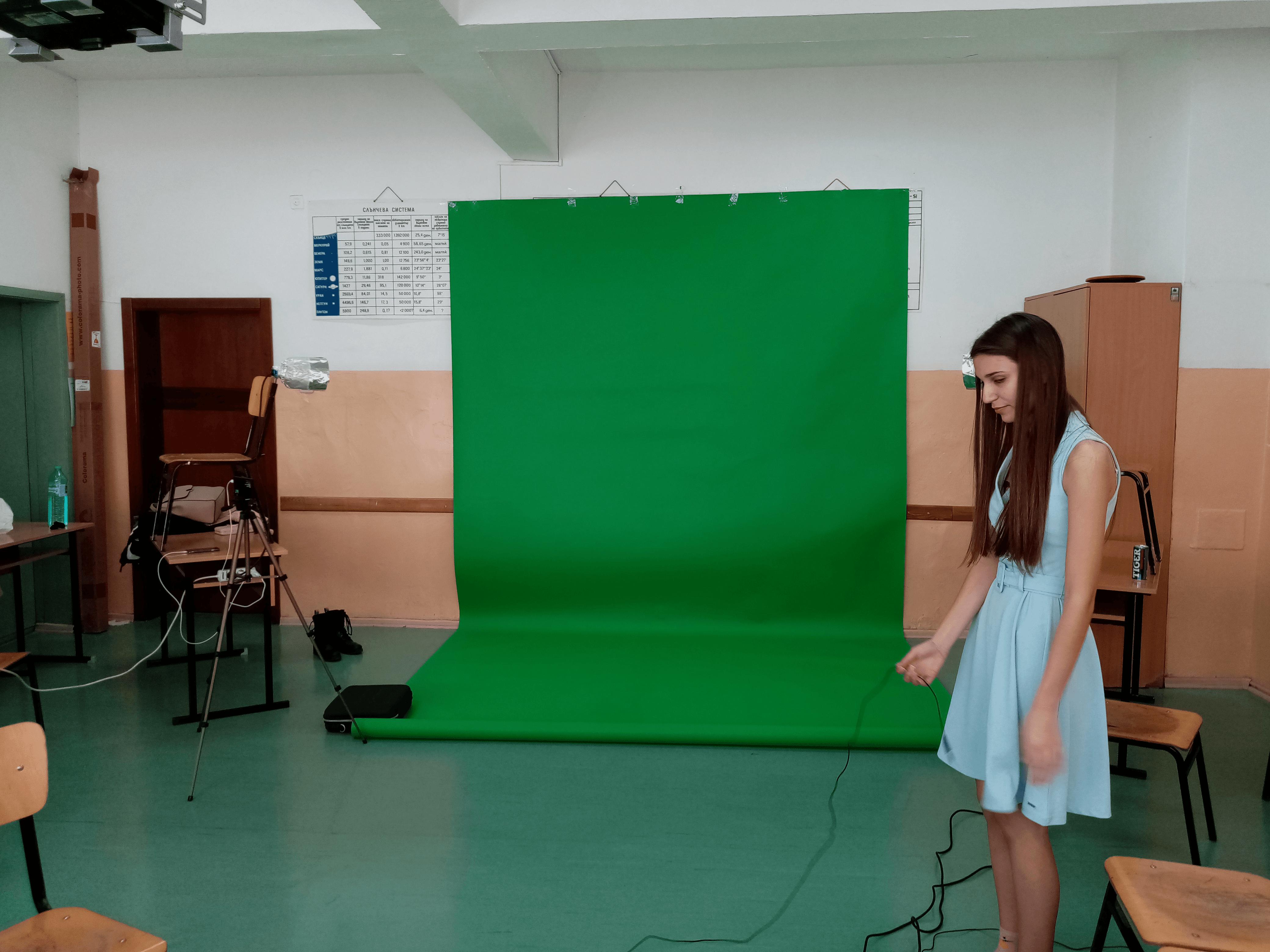 Slide 2 - ППМГ ТВ Сливен - Един ден на снимачната площадка