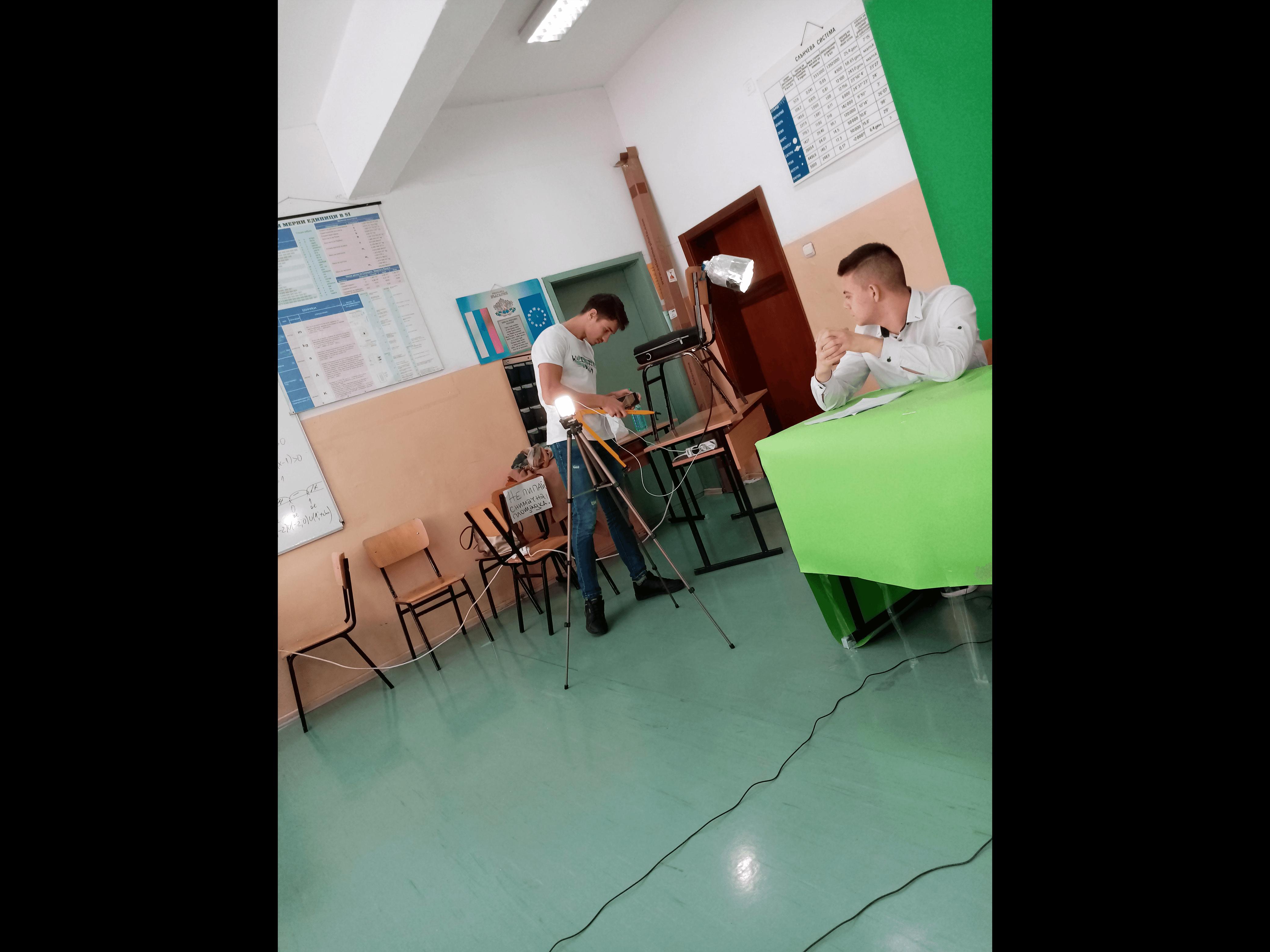 Slide 9 - ППМГ ТВ Сливен - Един ден на снимачната площадка