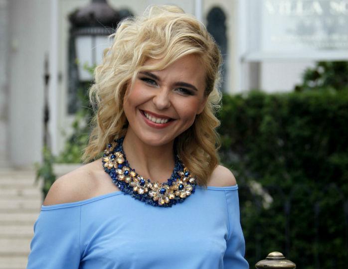 «Написала куда-то петицию»: Пелагее присвоили звание заслуженной артистки