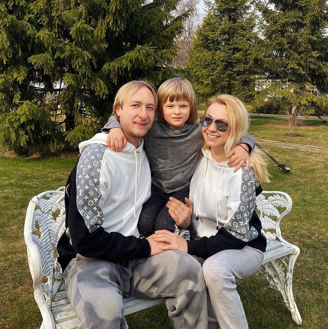 Я получила нож в спину: Яна Рудковская собирается обратиться в ЕСПЧ с иском о клевете на сына