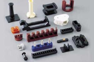 圧縮成形とは|メリットや原理、用途を解説!