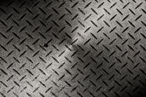 【アルミ縞板】特徴や規格、価格、製品例についてもご紹介!
