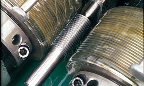 転造加工とは?加工可能な金属やメリット・デメリットを解説!