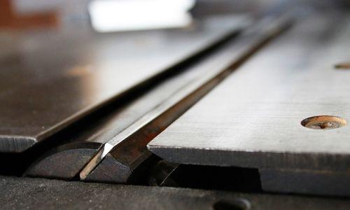 板金加工の花形、曲げ加工の方法を解説