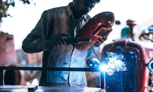 鉄の切断方法に関して解説!おすすめの工場もご紹介!