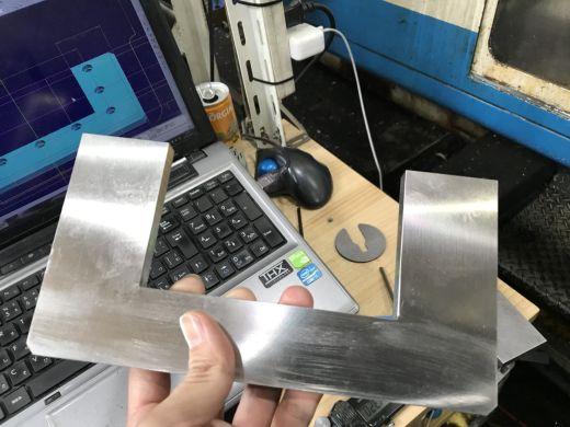 マシニングセンタを使った金属加工入門