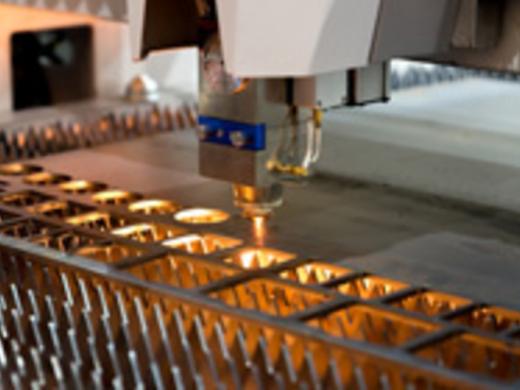 ステンレスのレーザー 加工ならMitsuri!【協力工場140社以上】最適な工場をご紹介します!