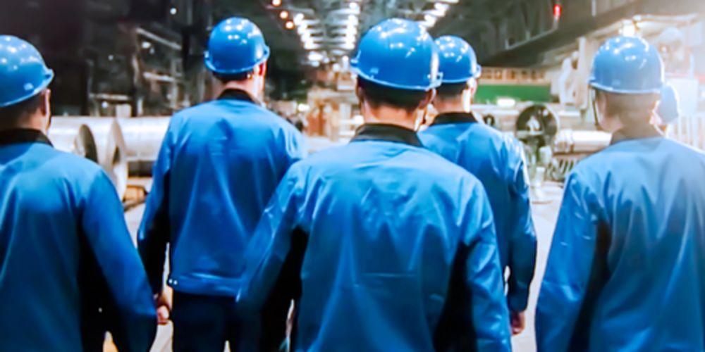 【工場の人手不足問題】危機的な状況が続く原因と本質的な対策は?