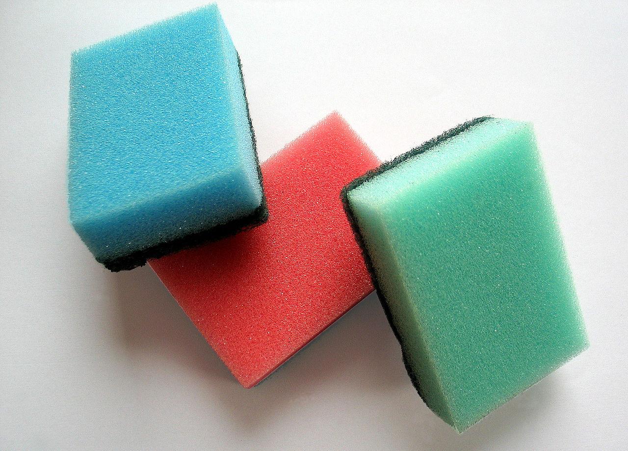 ポリウレタン製の スポンジ
