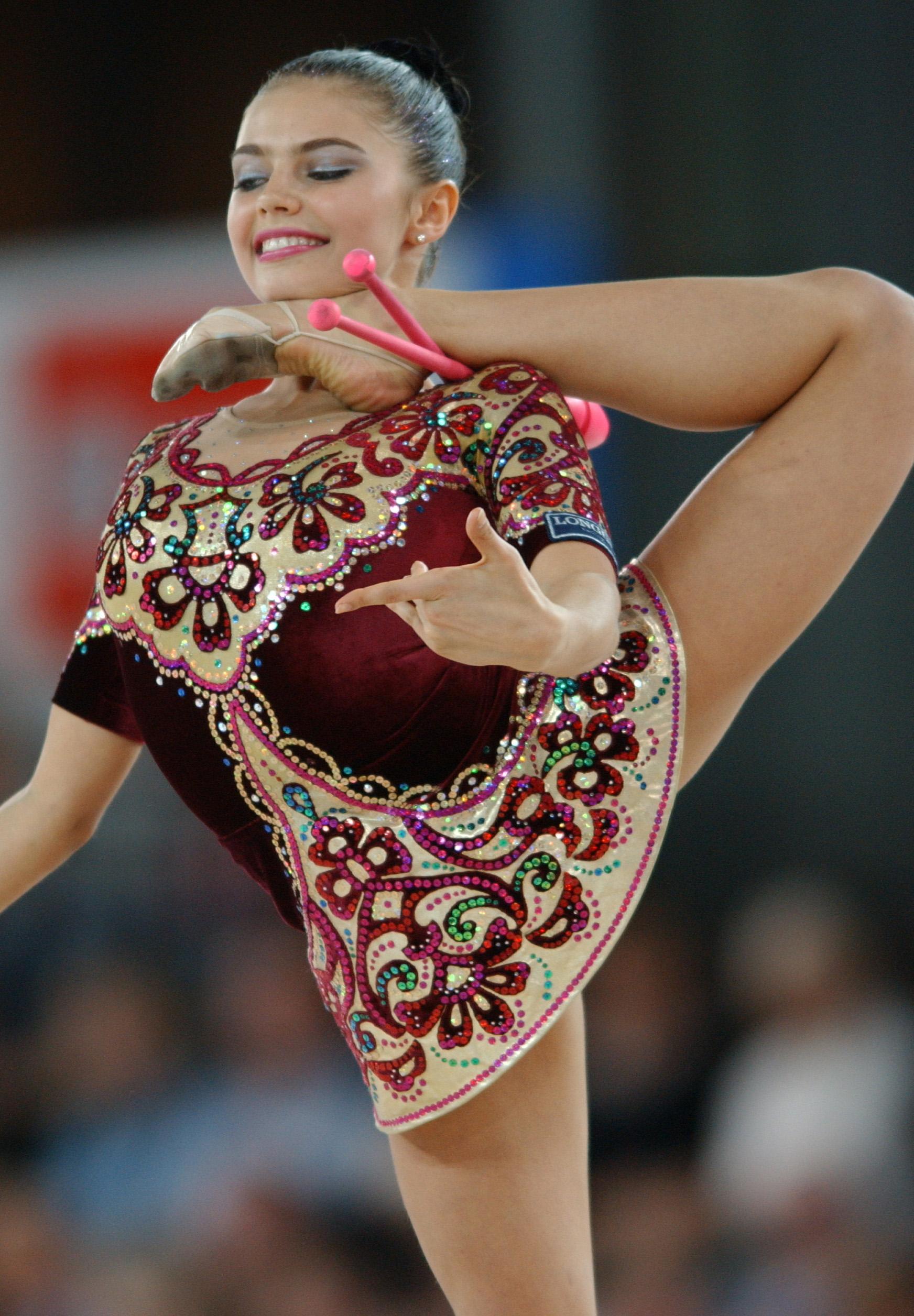 На шпагате: самые красивые гимнастки