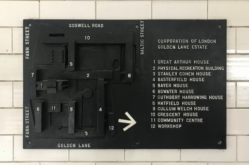 A 3d map / sign for the Golden Lane estate.