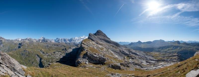 A panorama looking straight at the Pointe de Chardonnière