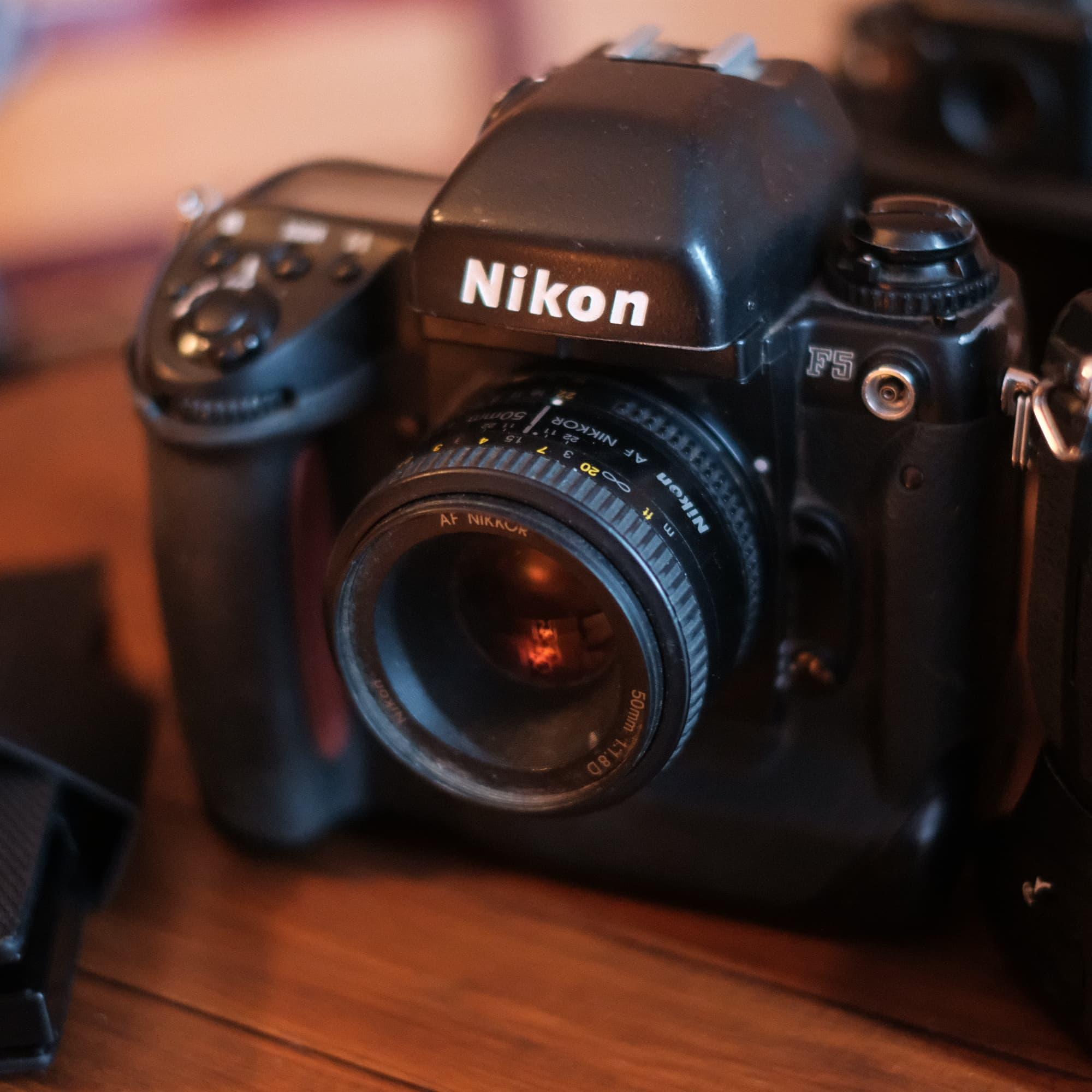Nikon F5 relevant in 2019 review