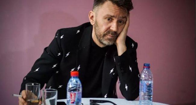 «Я сопьюсь на карантине, вот те крест»: Шнуров написал песню из-за эпидемии коронавируса