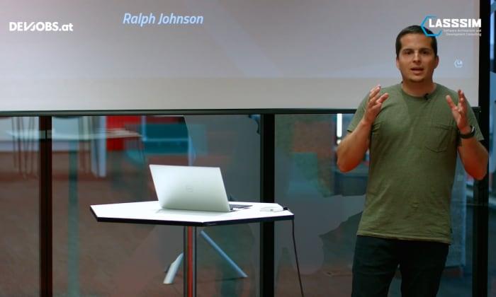 "Tech Talk: ""What is Software Architecture?"" mit Simon Lasselsberger"