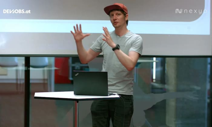 """Tech Talk: """"Go and DDD := Building the Right Thing"""" mit Andreas Krimbacher von nexyo"""