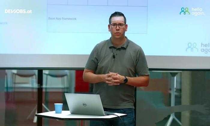 """Tech Talk: """"How to build and maintain 1.000 Apps"""" mit Michael Schöndorfer von hello again"""