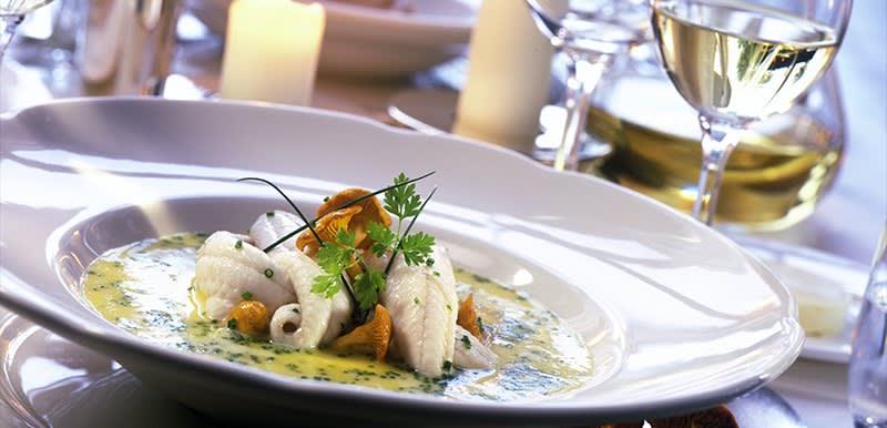 "<span class=""translation_missing"" title=""translation missing: nl.food_and_drinks.catering.alt, name: Diner &amp; buffet"">Alt</span>"