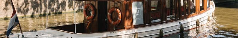 Boat ondine wedding