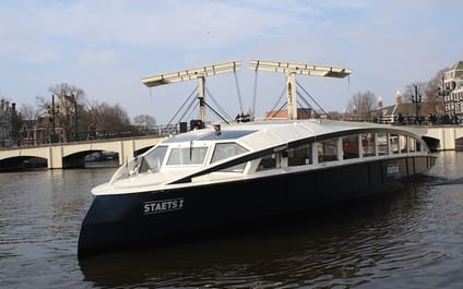 Rondvaartboot Staets Amsterdam
